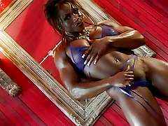 Muscle naked black woman